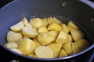 Картофель очищенный и нарезанный для пюре