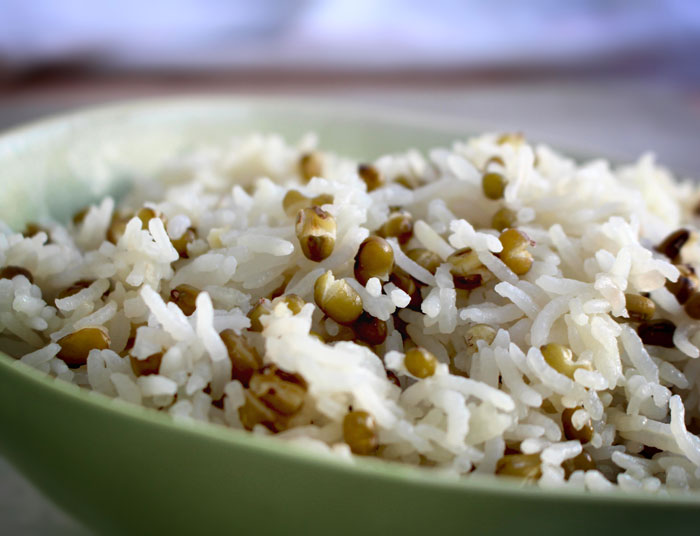 Рассыпчатый рис с машем
