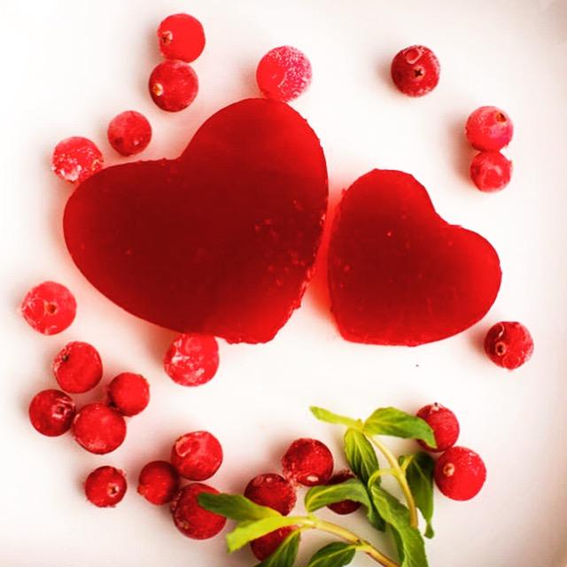 Сердечки из ягодного желе ко дню Валентина