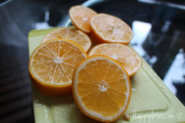 Узбекский лимон, нарезанный ломтиками