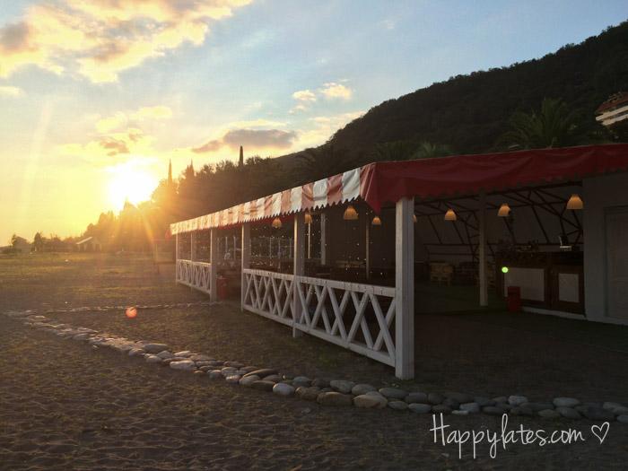 "Пляжное кафе ""Маркбар"", Абхазия, Гагры"