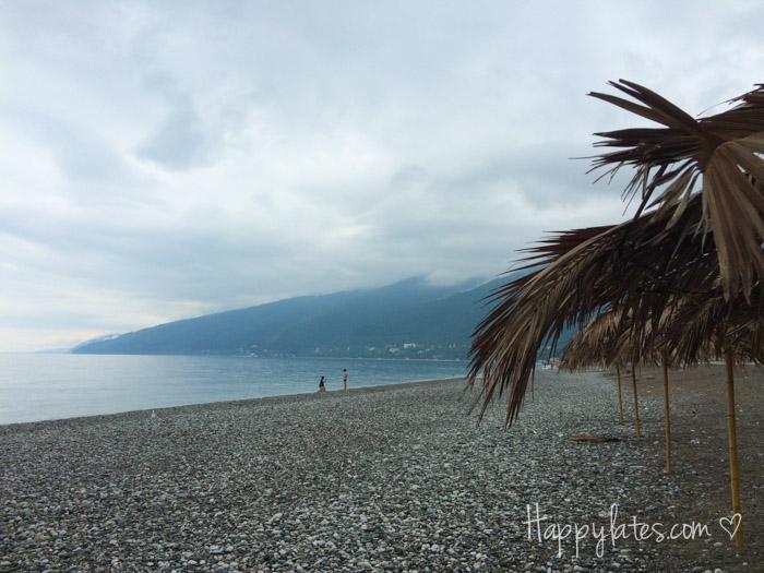 Море и пляж, Гагры