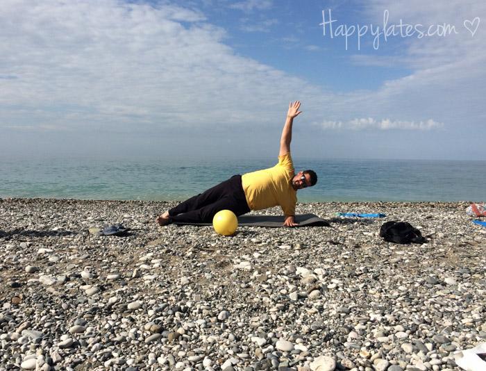 Пилатес у моря, Абхазия, Гагры, пляж Happylates